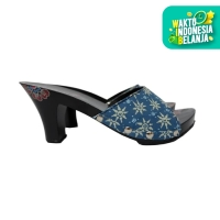 Dinara Klompen Sandal Wanita Wedges Batik - Biru
