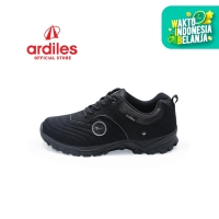 Ardiles Men Beckman Sepatu Running - Hitam Abu