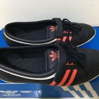 Adidas flat shoes woman
