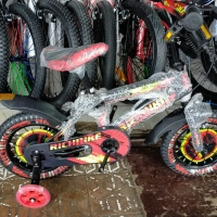 Sepeda Anak BMX Richbike 12 Roda Samping Nyala