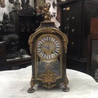 Jam Meja Antik Eropa Inlay Kulit Penyu Boulletchnik Perancis