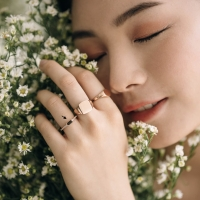 selena ring 18k (75%) rose gold. Yoora jewellery