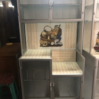 Lemari / rak piring full kaca 2 pintu tanpa kunci frozen