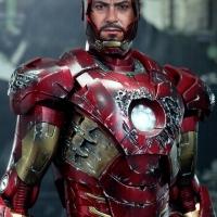 Hot Toys Iron Man Mark VII Battle Damaged The Avengers HT IM Mk 7