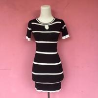 dress rajut bodycon garis hitam putih