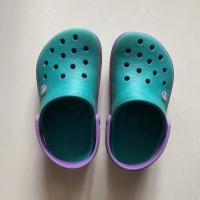 Sandal Crocs asli preloved size J1 atau setara size 32-33
