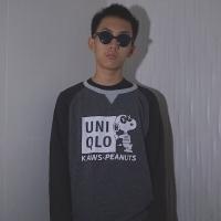 Uniqlo x Kaws x Peanut Crewneck Sweatshirt Black Grey
