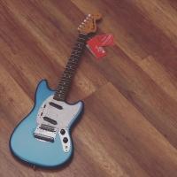 Fender Vintera 60s Mustang electric gitar PauFerro fb Lake Placid blue