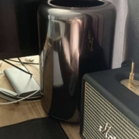 Apple Mac Pro Tabung