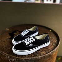 Vans Authentic Black N White
