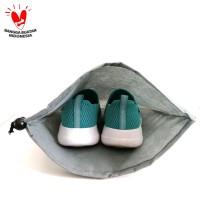Kantong Sepatu dengan Tali Serut Bahan Kain Eco Bag