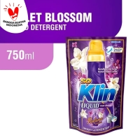 Soklin Liquid Detergent Pouch Kemasan Sedang