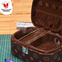 Jewelry Box / Kotak Tempat Perhiasan, Emas, Kalung, Cincin LV Mono