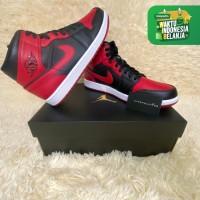 """Nike Air Jordan 1 Mid """"Banned 2020"""" ORIGINAL - US 9 / EU 42"""