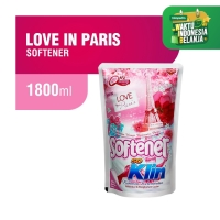 Soklin Pelembut Pakaian Love in Paris 1800 ml