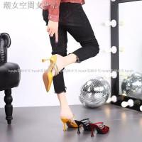 Ujung Lancip Sepatu High Heels Sexy Model
