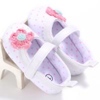 Sepatu Bayi Perempuan Motif Polkadot Aksen Bunga Merah Model Velcro