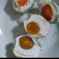 telur asin brebes tanah merah isi merah