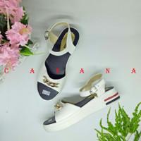 Caa Sandal Wedges Wanita Mutiara SDW282 Putih Wedges