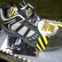 Sepatu Safety Jogger Prorun S1P