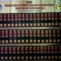 SERI PERATURAN PERUNDANG-UNDANGAN RI - 100 Jilid (1985 - 2014)