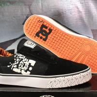 Sepatu Cassual / Running / Kets / Sport / DC 43 Hitam Strip Orange