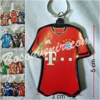 Souvenir Gantungan Kunci Baju.