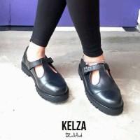 sepatu casual docmart hitam wanita kelza za.