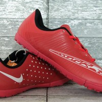 Sepatu futsal Nike Elastico Finale Gerigi Merah