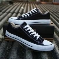 Converse Black Low Shoes