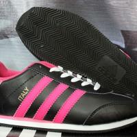 sepatu running Adidas La Trainer Hitam Pink