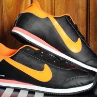 Sepatu Casual / Sepatu Kets / Running / Nike Cortez Hitam Strip Orange