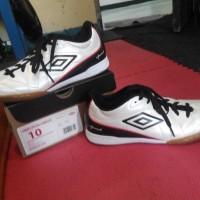 Sepatu futsal UMBRO Original speciali 4 shield ic Size 43