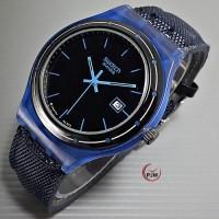 Swatch canvas biru