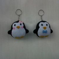 Souvenir Gantungan Pinguim Flanel K12