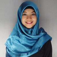 Jilbab Segi Empat Satin Warna Hijau Tosca