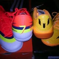 sepatu futsal nike mercurial cr7 adidas lionel messi edisi