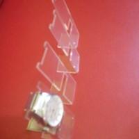 display jam tangan