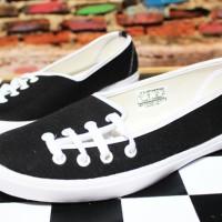 Sepatu Flat Convers Hitam(sepatu wanita,flat shoes,kets,casual,murah)