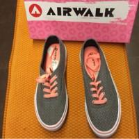 sneak and airwalk