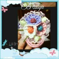 Lili Brooch / bross hijab renda mutiara dan bunga