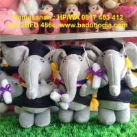 Boneka Wisuda Gajah 30 cm
