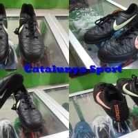 Sepatu Futsal Nike Tiempo Black