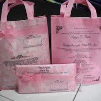 Undangan Unik & Cantik Model Tas Pink Motif