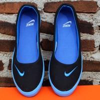 Nike Slip On Hitam Biru (sepatu kets,wanita,slip on,flat shoes,sepatu