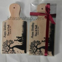 souvenir telenan kayu kemas mika