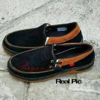 Sepatu pria casual formal santai replika kickers hitam