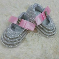 WHITE PEARL BABY SHOES