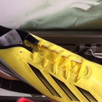 Sepatu futsal adidas f5 in original 100%