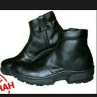 sepatu kikers resleting
